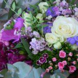 livraison fleurs bordeaux bouquet rond petites fleurs Réalisation Carré Roses fleuriste Bordeaux