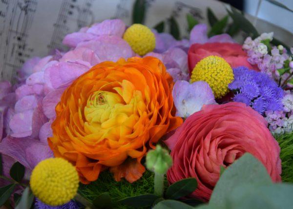 bouquet-carre-rose-bordeaux-artisan-fleuriste-fleurs-champetre
