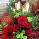 livraison fleurs bordeaux bouquet rond rouge anniversaire Réalisation Carré Roses fleuriste Bordeaux