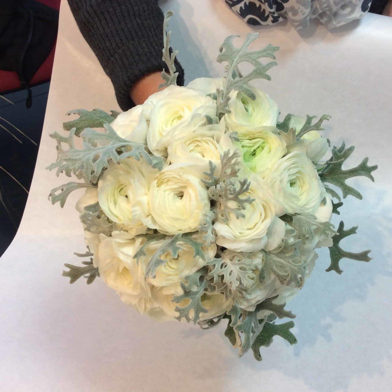 Fleuriste mariage Bordeaux Bouquet de mariée hiver renoncule Réalisation Carré Roses Artisan Fleuriste Bordeaux Bègles Floirac