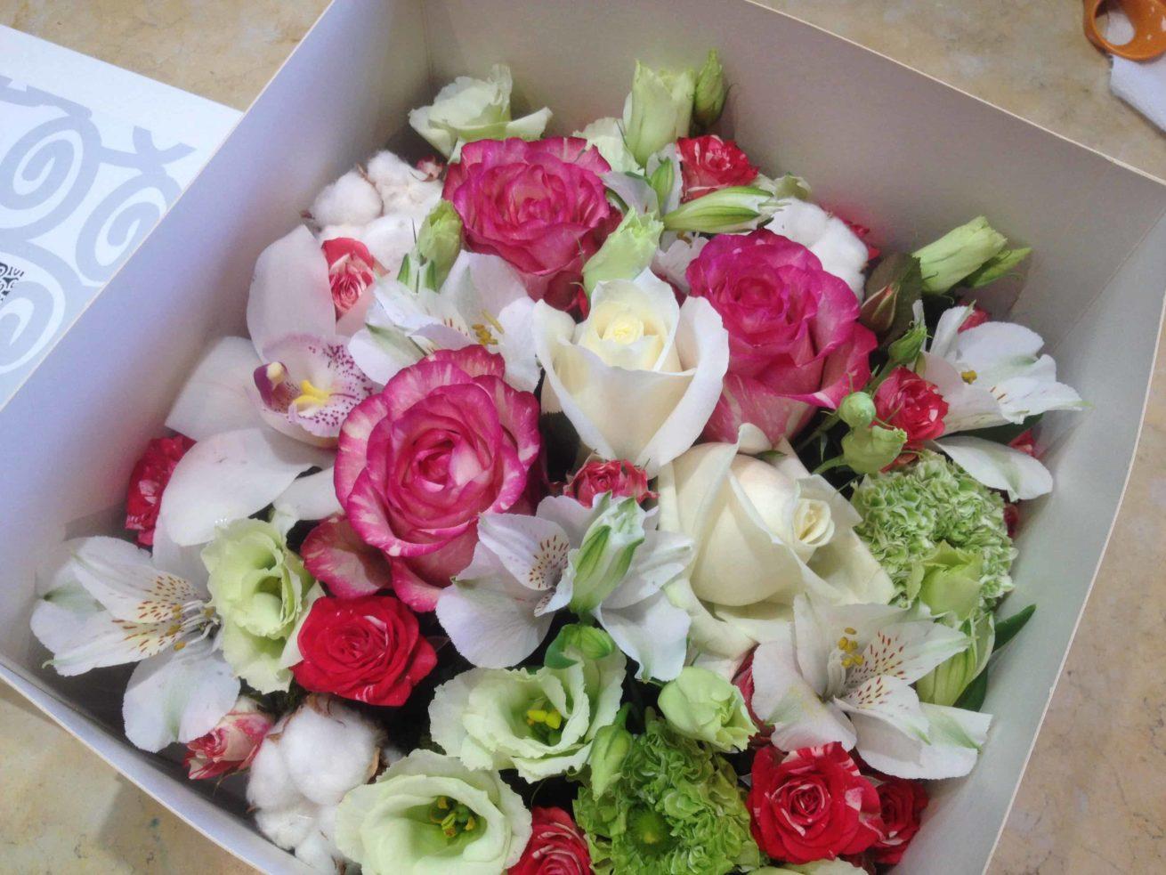 carre-carre-roses-bordeaux
