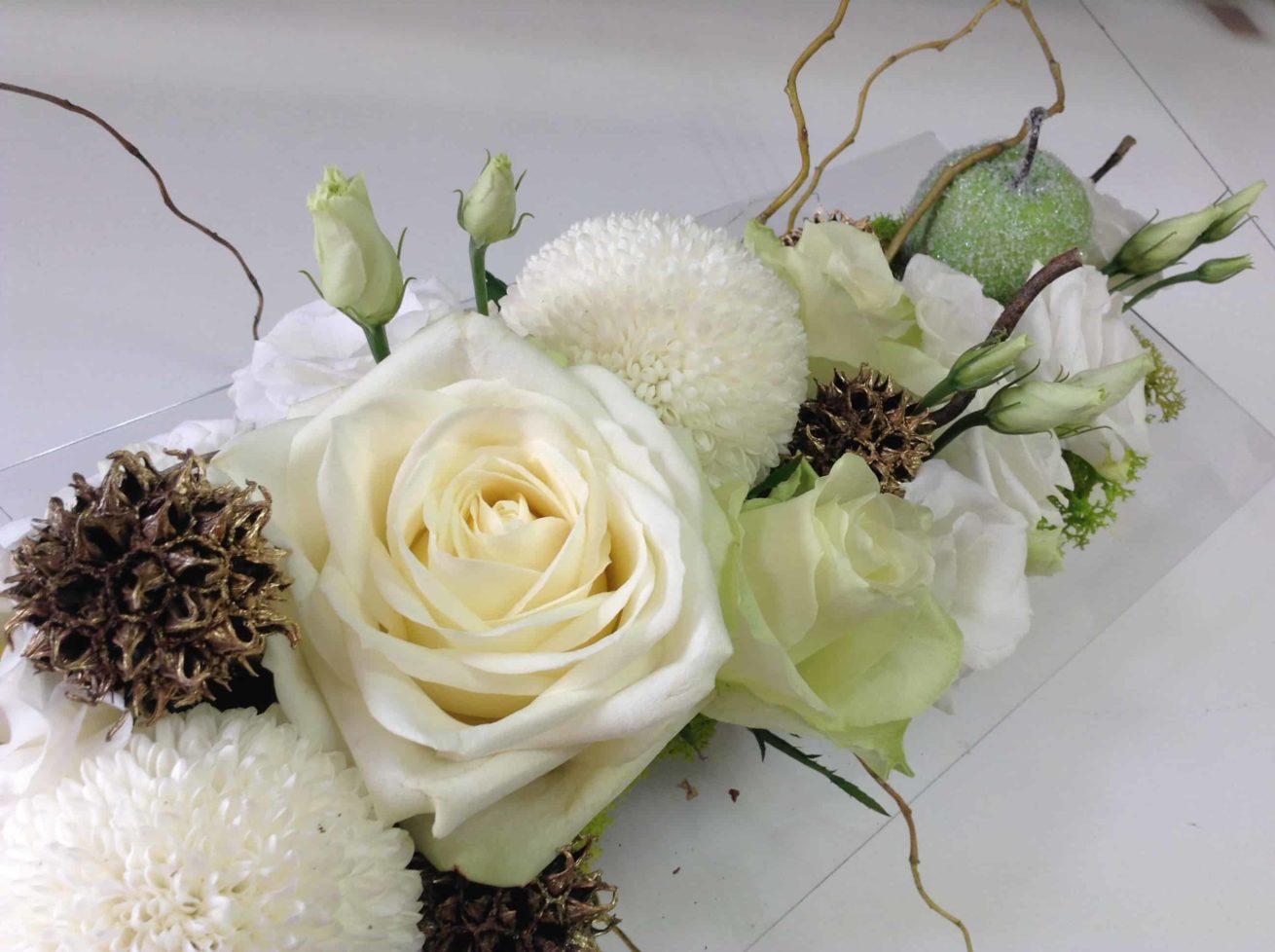 decoration-mariagel-carre-roses-bordeaux-11