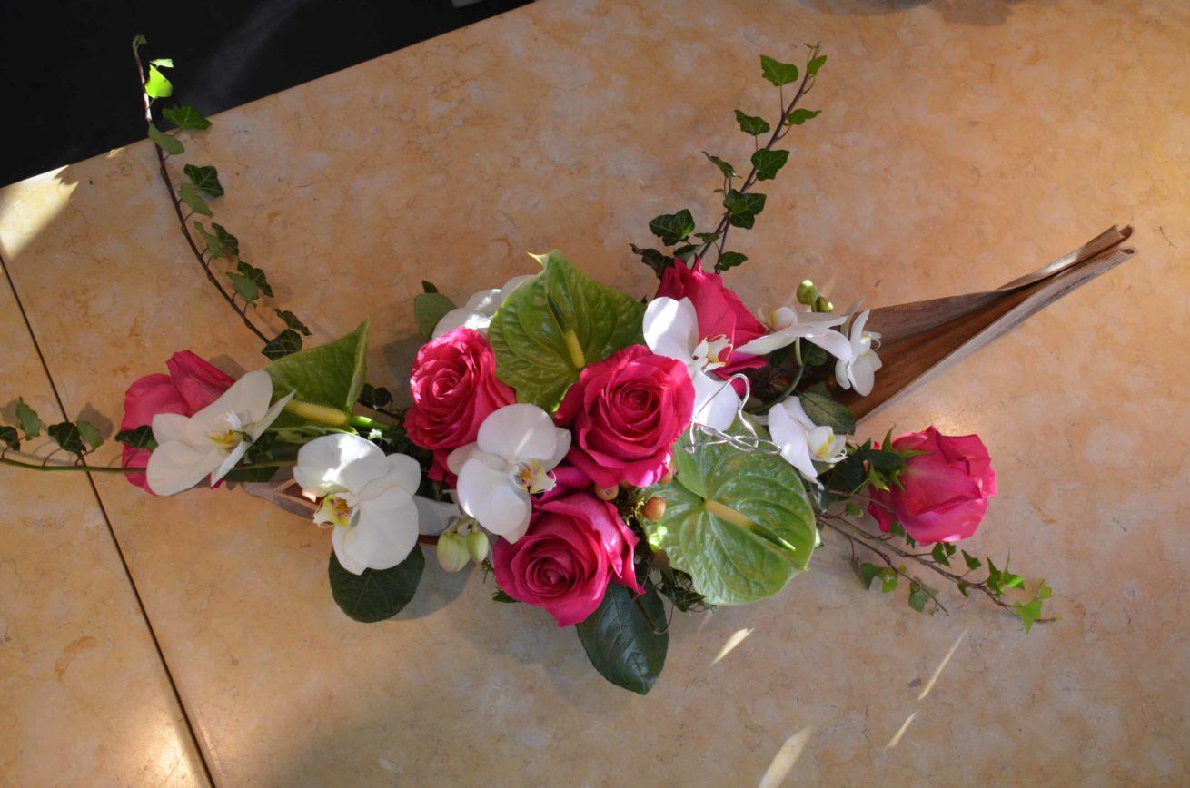 décoration-mariage-carre-roses-bordeaux-4