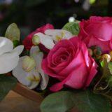 décoration-mariage-carre-roses-bordeaux-5