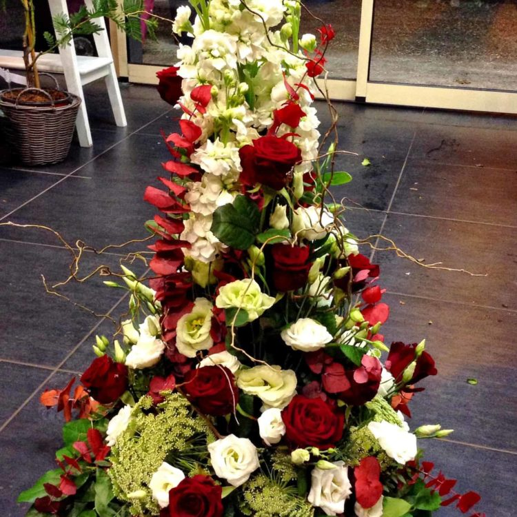 fleurs deuil bordeaux dernier hommage carré roses bordeaux begles