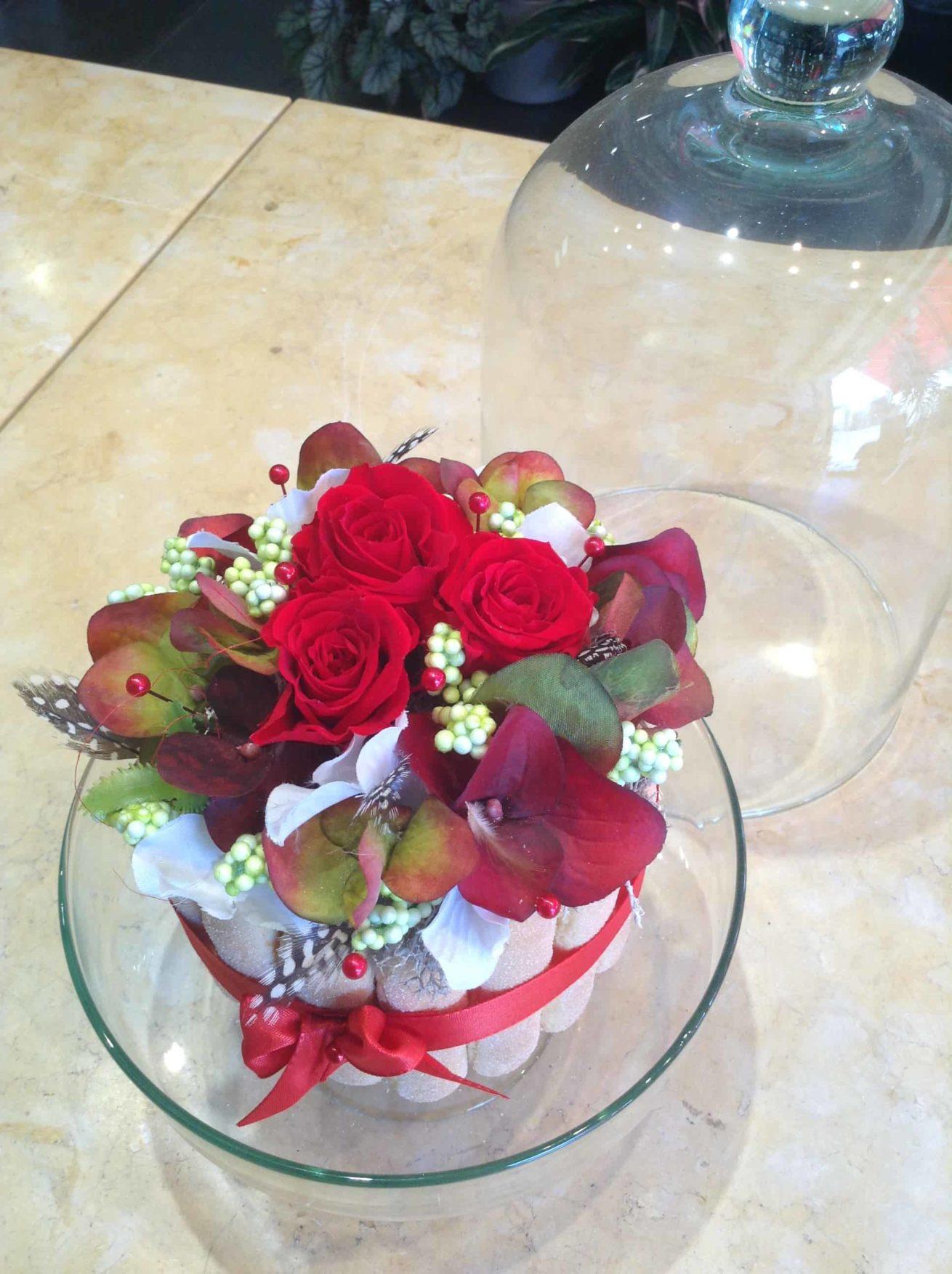fleur-stabilisee-carre-roses-bordeaux