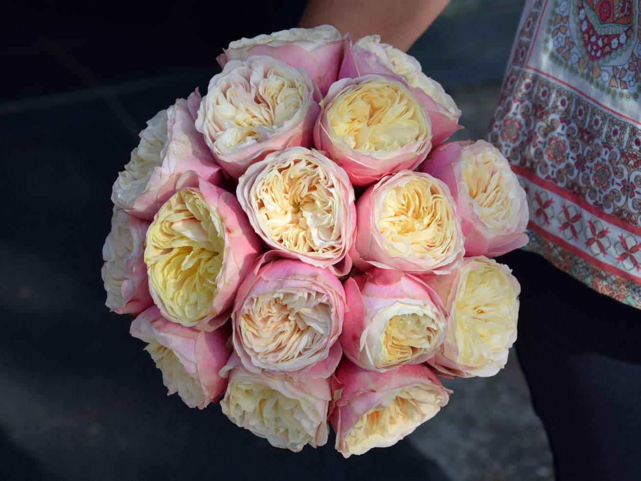 Fleuriste mariage Bordeaux Bouquet de mariée roses anciennes  Réalisation Carré Roses Artisan Fleuriste Bordeaux Bègles Floirac