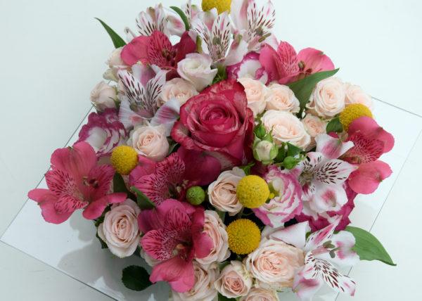 le carré roses composition florale bordeaux begles floirac livraison fleurs anniversaire naissance