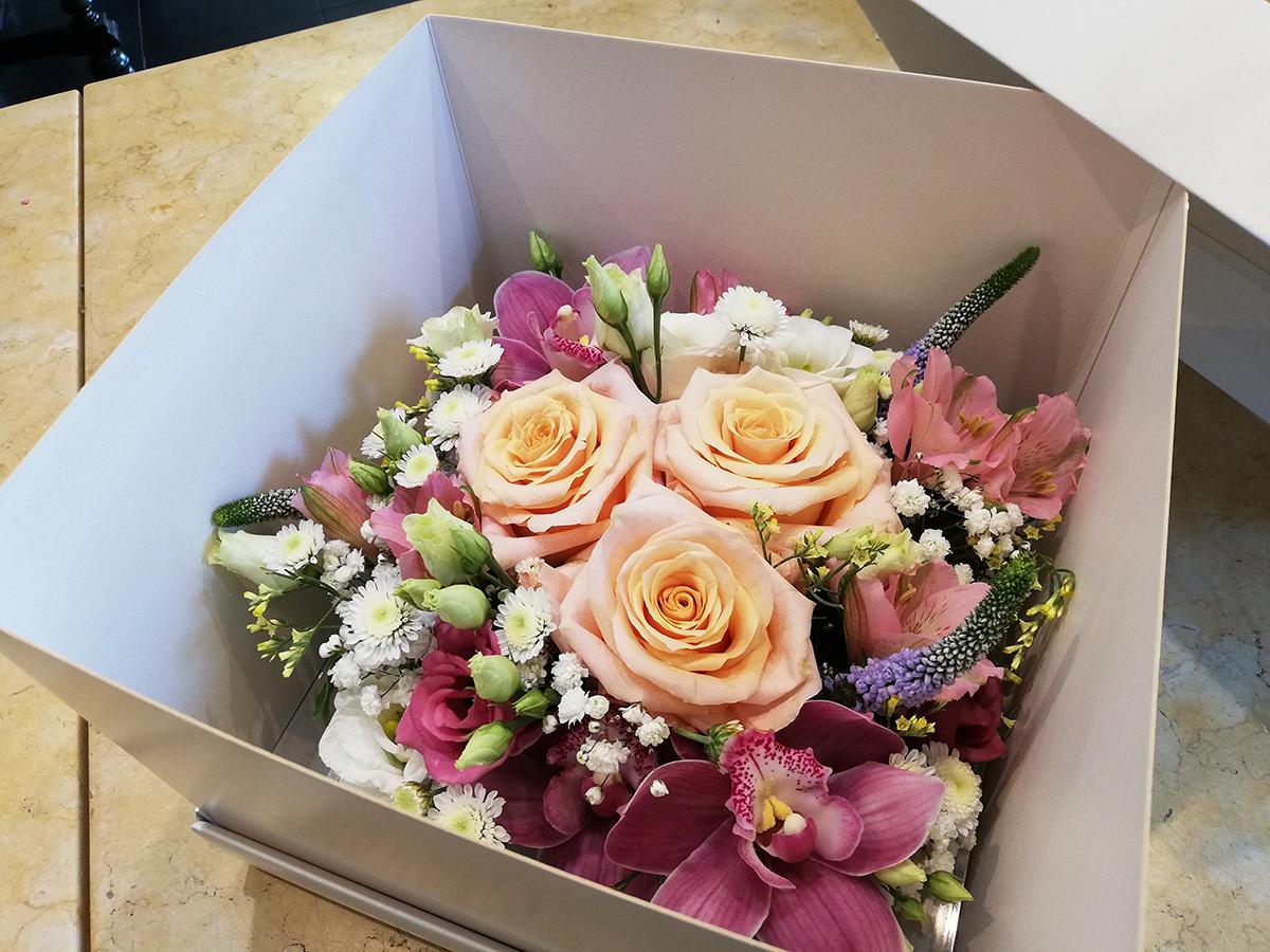 bouquet fleurs cadeau anniversaire bègles