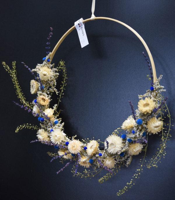 couronne fleurs séchées bleues